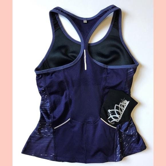 bb14ae1883d39 M 5b048934d39ca2b52620ba41. Other Tops you may like. Nike dri fit tank